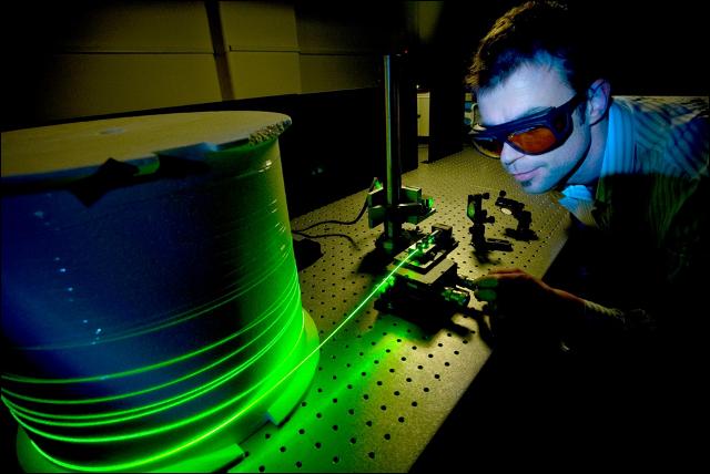 آزمایشگاه های ارتباطات نوری