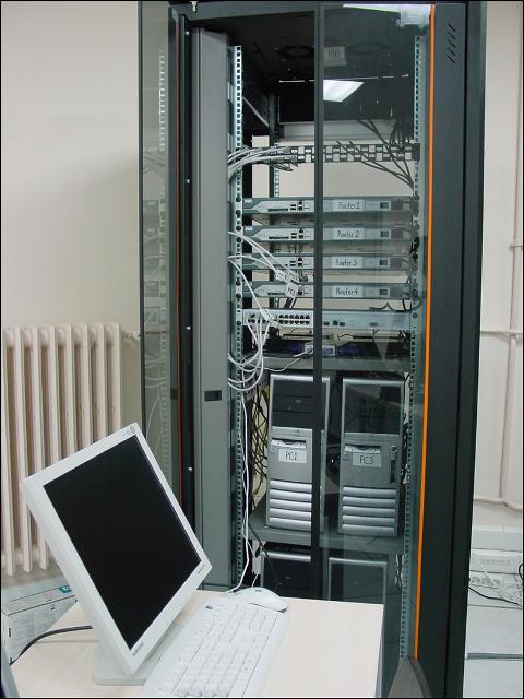 آزمایشگاه مودم adsl آزمایشگاه های شبکه و مدیریت